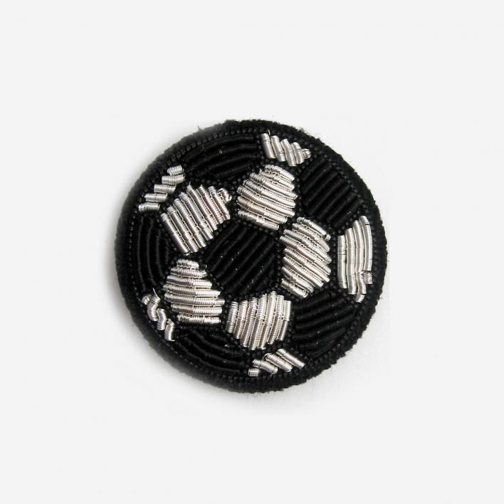 Macon & Lesquoy Brosche Fußball