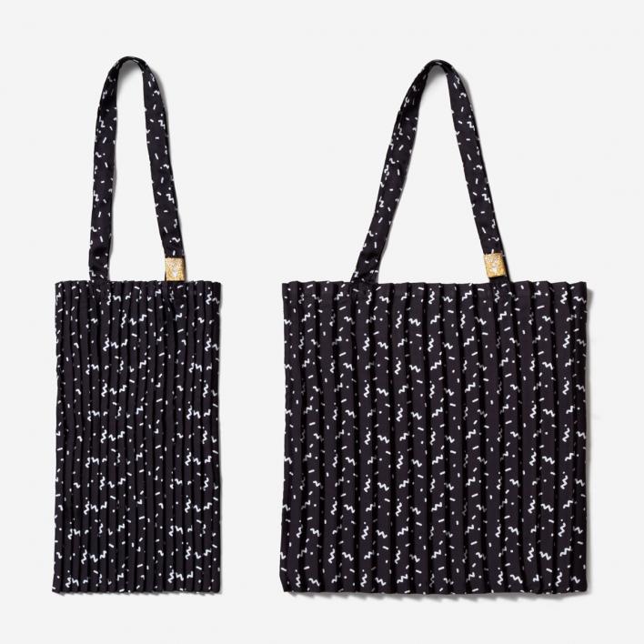 Write Sketch & Tuttipazzi Tote Bag