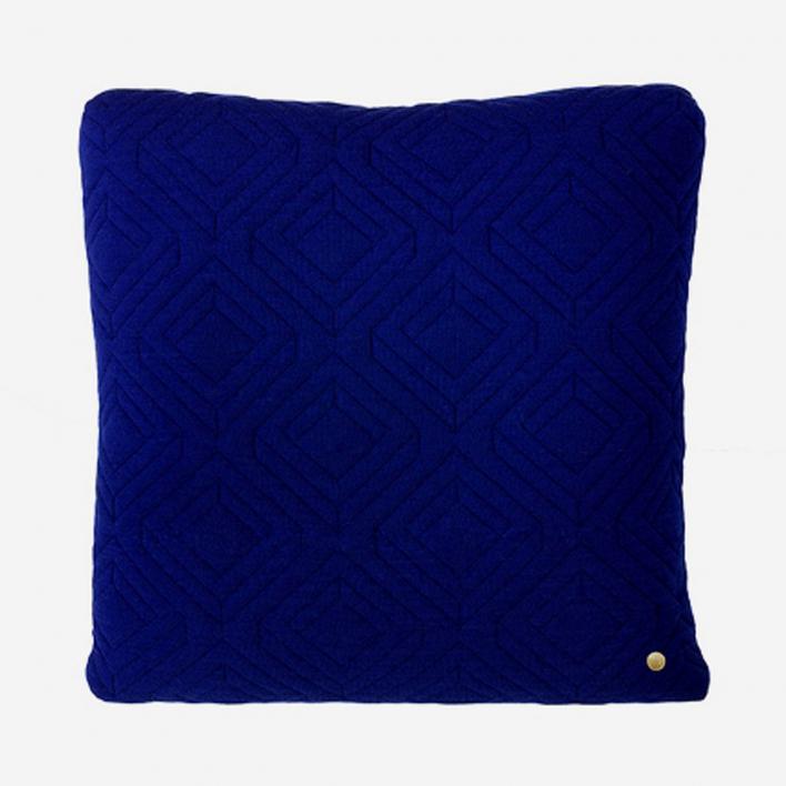 ferm LIVING Quilt Kissen 45 × 45 cm - Dark Blue