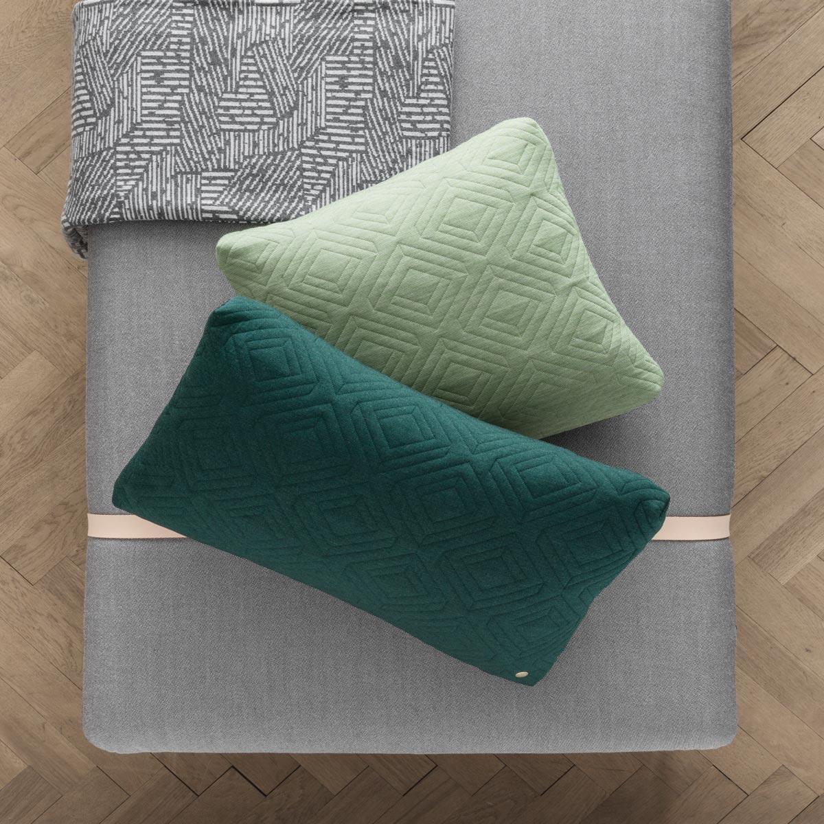 rikiki grafik produkt quilt kissen 45 45 cm green. Black Bedroom Furniture Sets. Home Design Ideas