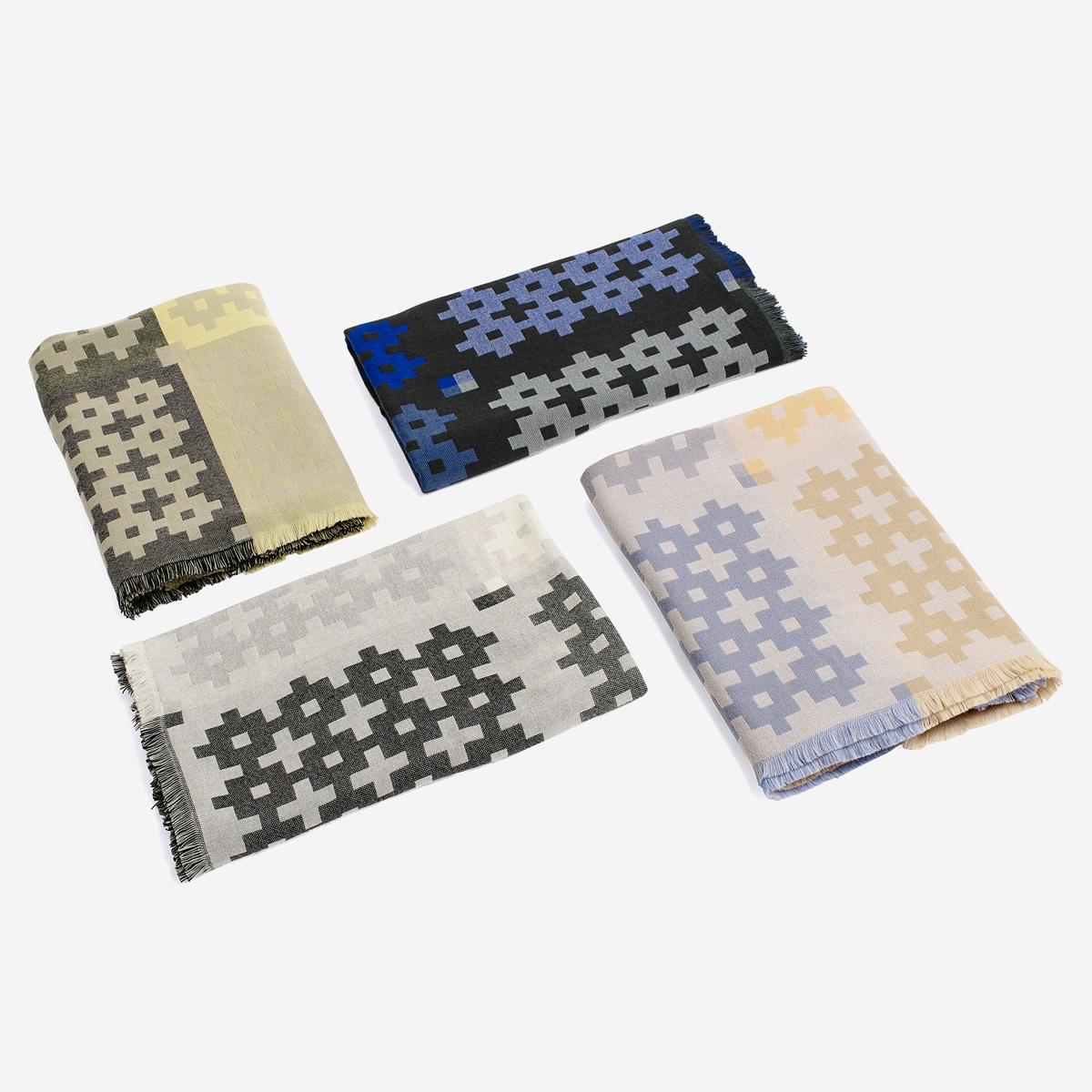 rikiki grafik produkt plus 9 grey decke aus merinowolle. Black Bedroom Furniture Sets. Home Design Ideas