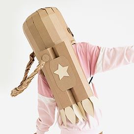 Astronaut Costume Cardboard DIY Set>     </noscript> </div>          <div class=