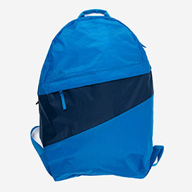 The New Foldable Backpack L Pool & Midnight>     </noscript> </div>          <div class=