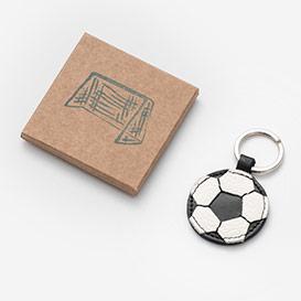 Fußball - Schlüsselanhänger aus Leder>     </noscript> </div>          <div class=