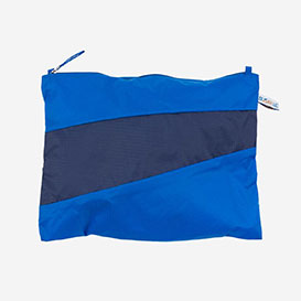 The New Pouch M Blue & Navy>     </noscript> </div>          <div class=
