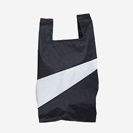 The New Shoppingbag M Black & White>     </noscript> </div>          <div class=