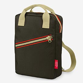 Zipper Brown – Backback from recycled PET>     </noscript> </div>          <div class=