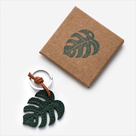 Monstera Leaf - Leather Key Ring>     </noscript> </div>          <div class=