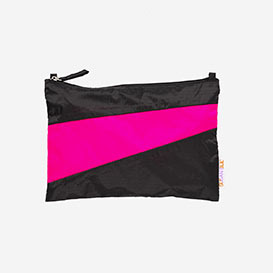 The New Pouch M Black & Pretty Pink>     </noscript> </div>          <div class=