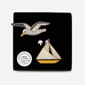 Regatta Brooch Set>     </noscript> </div>          <div class=