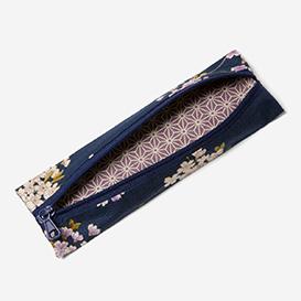 Little Case Yokazura Blue>     </noscript> </div>          <div class=