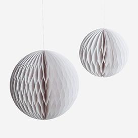 Paper Balls Large White>     </noscript> </div>          <div class=