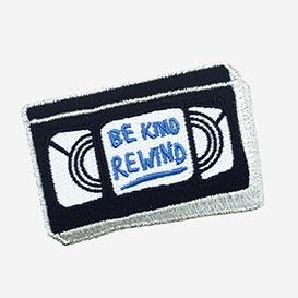 Be Kind, Rewind Bügel-Aufnäher>     </noscript> </div>          <div class=
