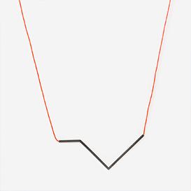 Winkelkette Nr. 4 Neonrot - Schwarz>     </noscript> </div>          <div class=